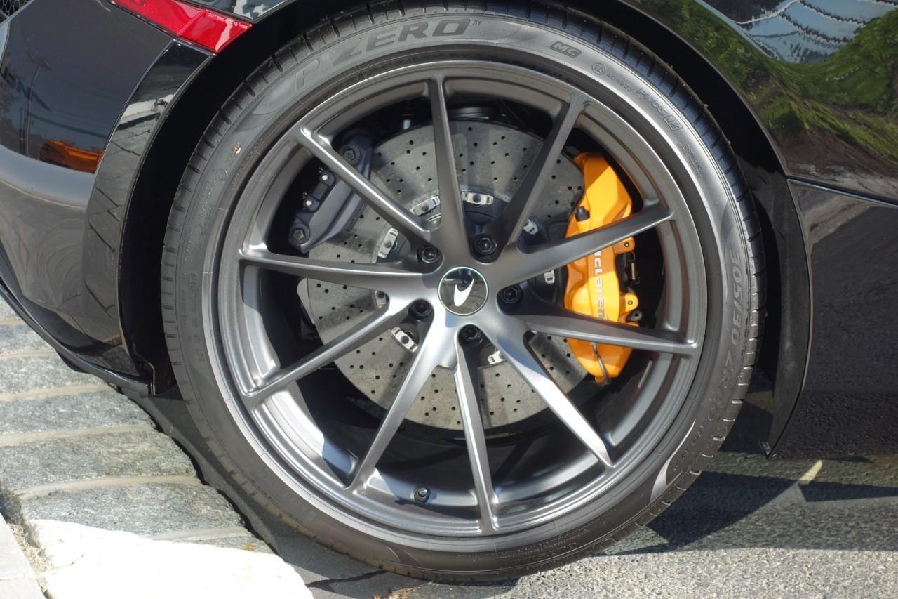 New 2020 McLaren 720S Performance Spider for sale $383,500 at McLaren North Jersey in Ramsey NJ 07446 8