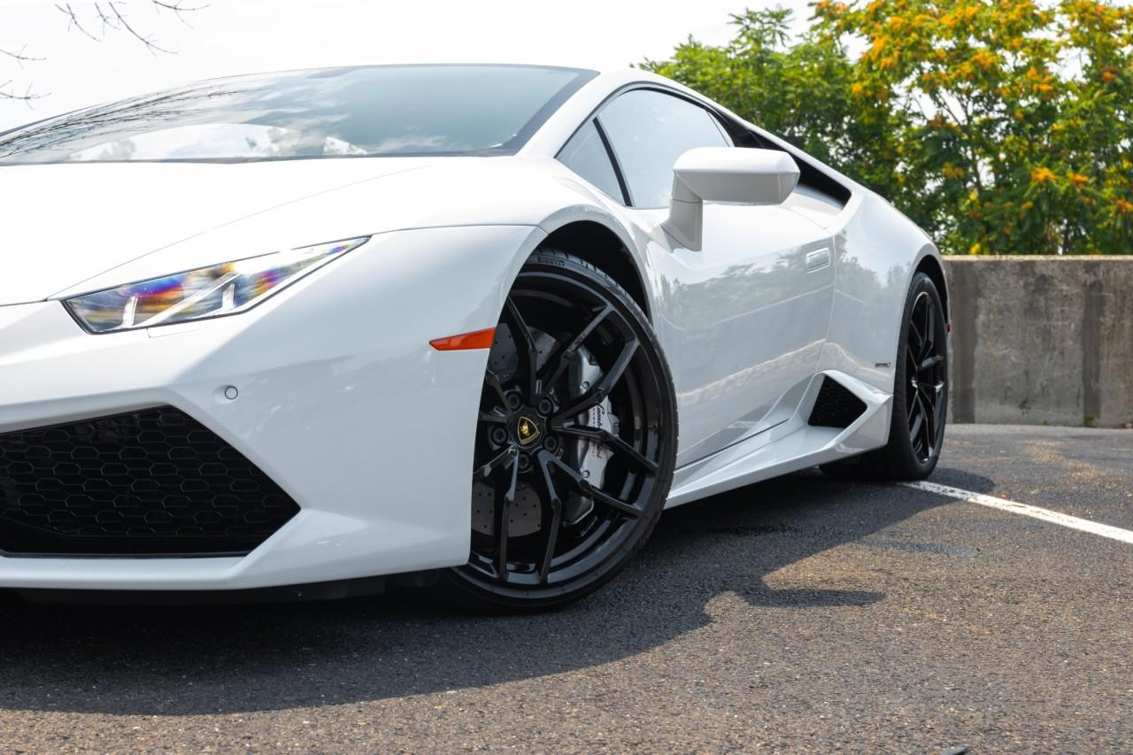 Used 2016 Lamborghini Huracan LP610-4 Coupe for sale $225,000 at McLaren North Jersey in Ramsey NJ 07446 2