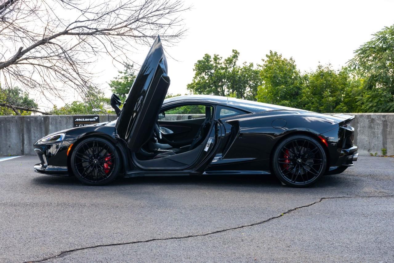 New 2021 McLaren GT for sale $208,105 at McLaren North Jersey in Ramsey NJ 07446 7