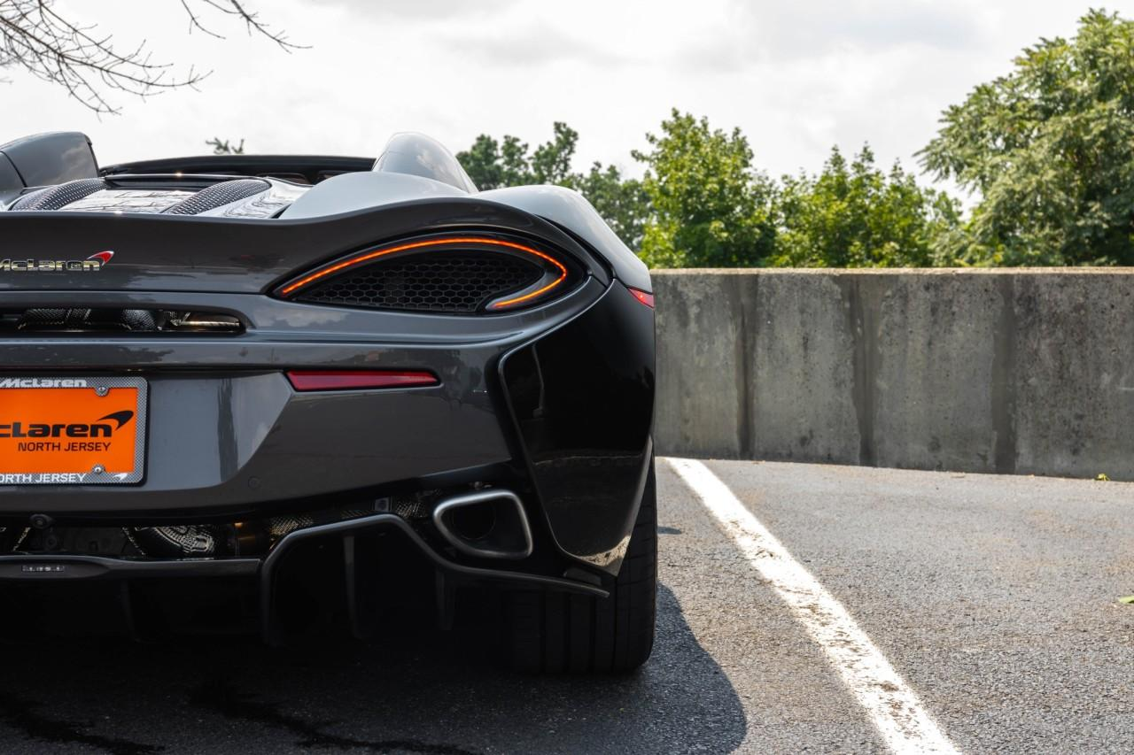 Used 2018 McLaren 570S Spider for sale Sold at McLaren North Jersey in Ramsey NJ 07446 8
